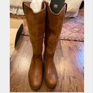 NWT Frye Boots Melissa Button Lug Tall 7M Cognac